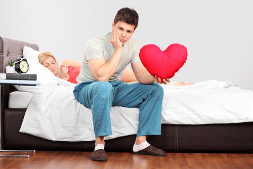 disfunzione erettile con lamante sotto il letto